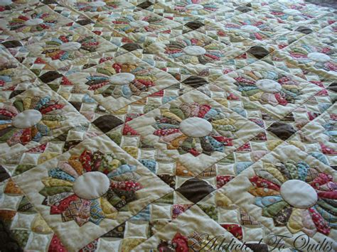 Dresden Plate Patchwork - addicted to quilts dresden plate quilts