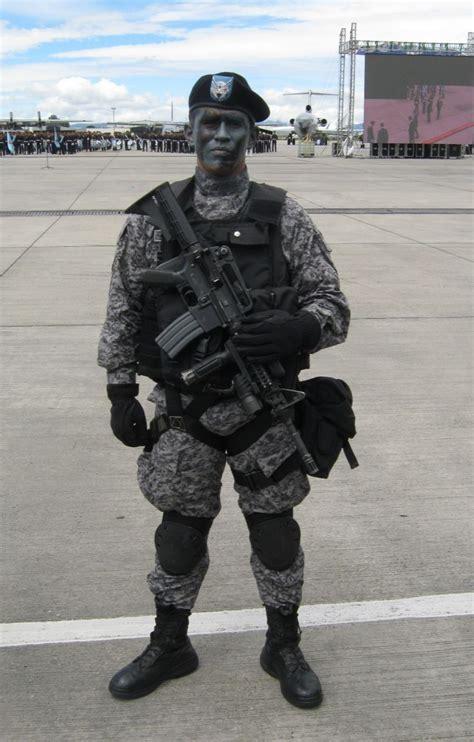 Uniforme Fuerza Aerea Colombiana | fuerza aerea colombiana uniforme my site daot tk