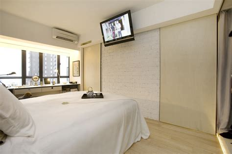 Extremely Apartment Featuring 10 Sliding Doors In Hong Kong Freshome extremely apartment featuring 10 sliding doors in