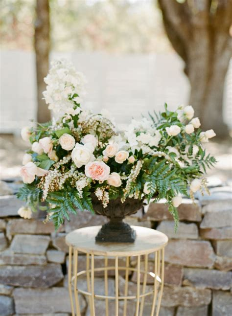 wedding flower arrangments 7 tips to diy wedding floral arrangements wedding