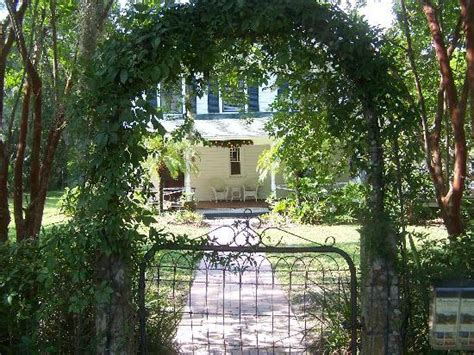 mt dora bed and breakfast front gate picture of grandview bed and breakfast mount