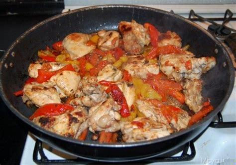 come cucinare il pollo con i peperoni pollo con peperoni alla romana cucinare il pollo