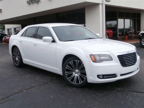 Chrysler White by 2014 Chrysler 300c White