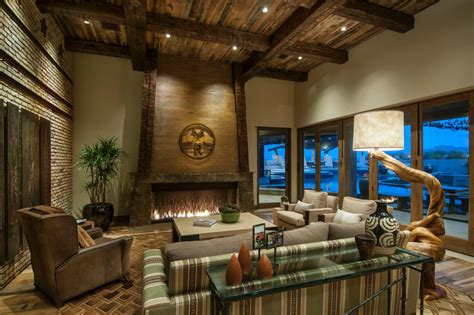 rustic resort style home designed for on the go family - Scottsdale Badezimmer Umgestalten