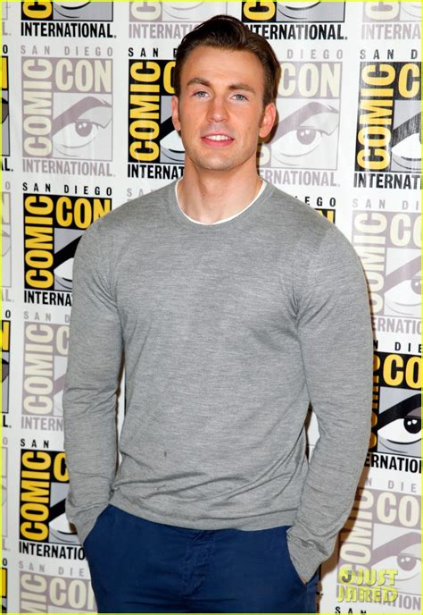 aaron taylor johnson comic con chris evans aaron taylor johnson get touchy feely at