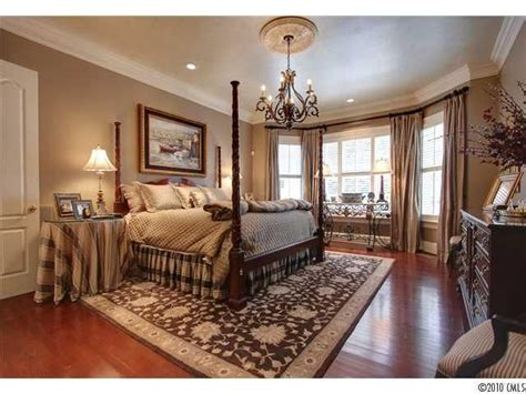 bedroom curtain poles 62 best images about bay windows on pinterest bay window