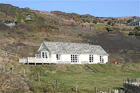 Yellow Cottage Trebarwith Strand by Trebarwith Strand Self Catering Accommodation