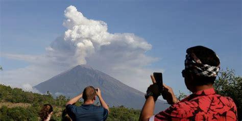 citilink gunung agung sabtu pagi debu vulkanik gunung agung tak terpantau citra