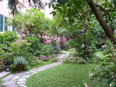 giardino incantato un jardin enchanteur foto di il giardino incantato bed