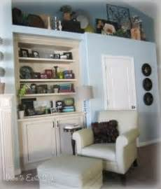how to decorate built in shelves 1000 images about decorating plant shelves on pinterest