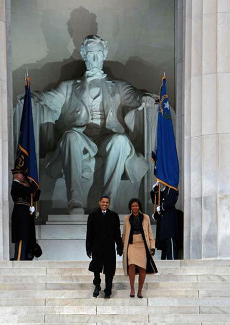 obama lincoln memorial president elect barack obama and obama visit the