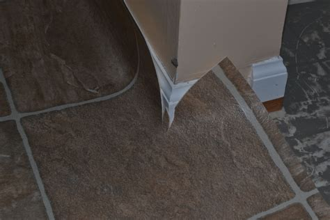 How To Install Vinyl Sheet Flooring by How To Install A Sheet Vinyl Floor The Family Handyman Breeds Picture
