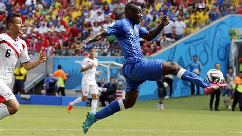 Overall Balotely Blue Pink S Pink And Blue Cleats Make A Bold Play At The World