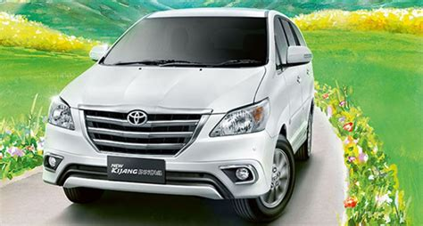 Autobewertung Mobile by Fitur Unggulan Toyota Innova Facelift Review Mobil