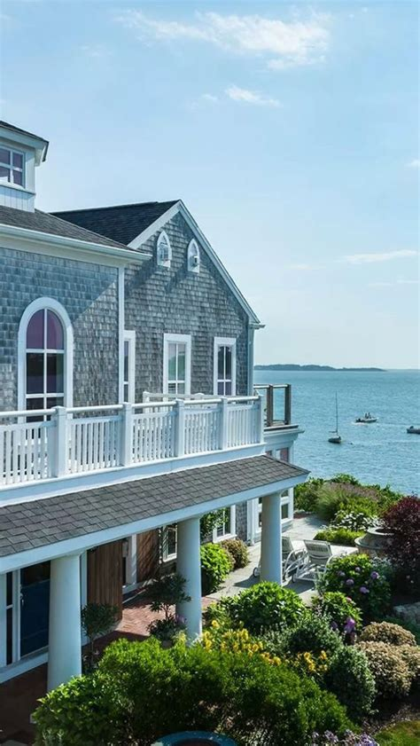 modern shingle style house houses pinterest wequassett resort harwich cedar shake shingles soft