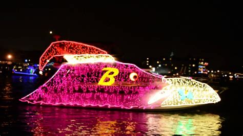 annapolis christmas light boat show 2014 annapolis christmas boat parade youtube