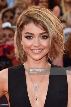 news video sarah hyland debuts lob haircut at paleyfest america ferrera debuts new cropped blonde hairstyle her
