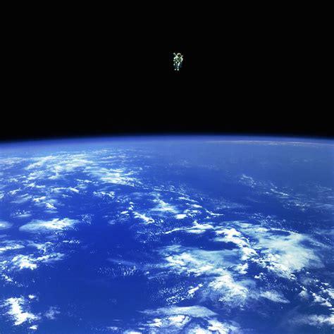 les chimpanz 233 s de l espace film 2008 allocin 233 images incroyables de l espace par la nasa chambre237