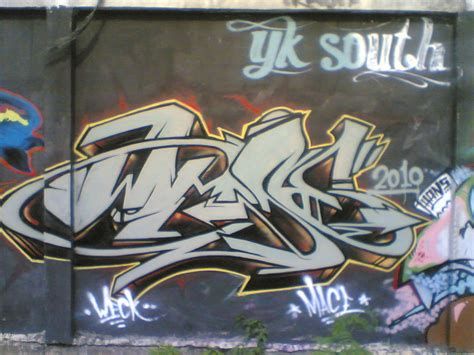 popular graffiti graffiti letter r