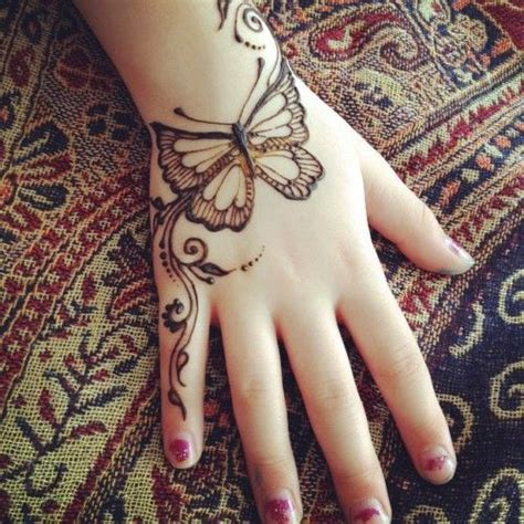 butterfly henna tattoo designs 25 best ideas about henna butterfly on henna