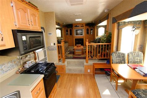 fifth wheel floor plans front living room front living room 5th wheels militariart com