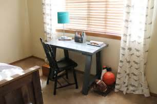 Build A Small Desk White Simple Small Trestle Desk Diy Projects