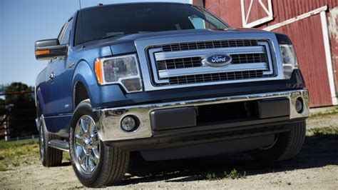 2013 Ford F-150 V6 can tow 6,700 lbs - SlashGear F 150 2013 Towing Capacity