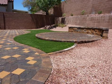 Backyard Landscaping Las Vegas by 25 Best Ideas About Landscaping Las Vegas On