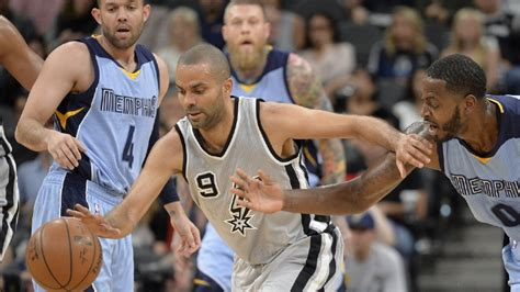 spurs win 37th at home tie bulls nba record woai