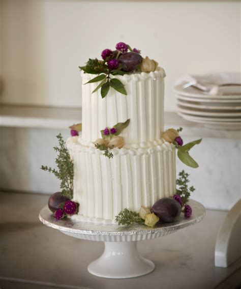 Wedding Cakes Small Simple by A Simple Cake The Sweetness Of Small Weddings