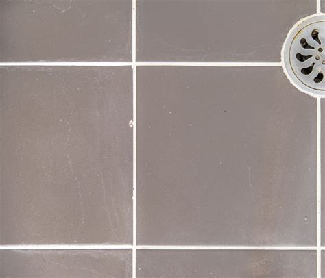 regrout bathtub tile rescue regrouting broken tile repairs northern beaches