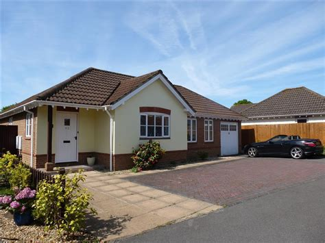 bungalow for sale 2 bedroom detached bungalow for sale in dickens dell