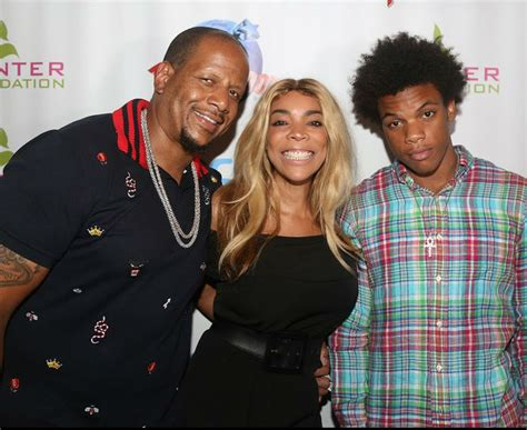 Wendy Williams Giveaway - wendy williams and family celebrate their non profit in nyc