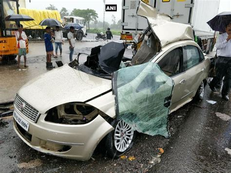 mumbai car crash tv actors die in car crash on mumbai ahmedabad highway
