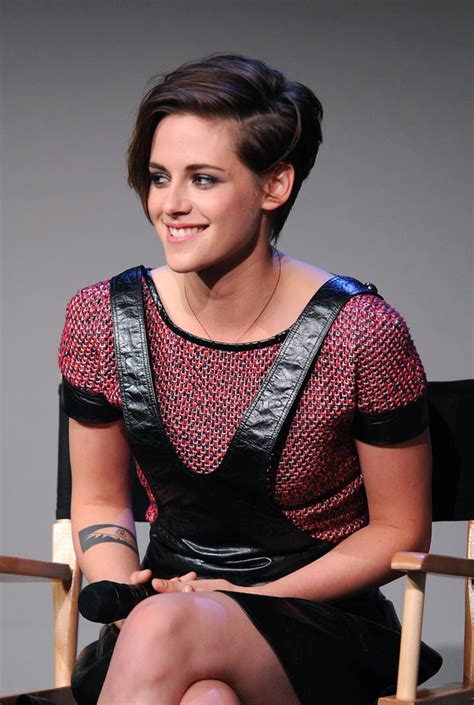Kristen Stewart has combed her hair AND put on make up