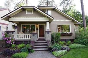 charming bungalow great landscape for the home pinterest