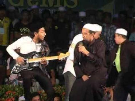 download mp3 ceramah lawak ustaz azhar idrus dan zizan raja lawak countdown 2012