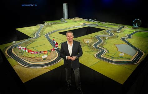 koenigsegg scalextric f1 driver martin brundle designed world s largest