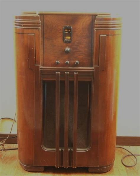 floor model philco floor model 1930 s radio had an that had one of these sound was really