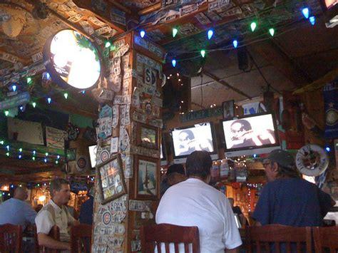 lulu s bar lulu s in kona hawaii a chicago cubs bar watching