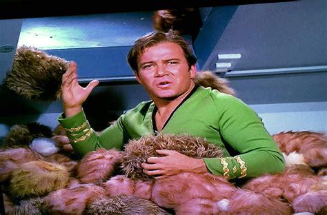 trek tribbles trek why does captain kirk wear green in the ds9