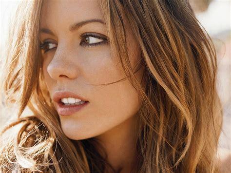 Kate Beckinsale Is darkreya kate beckinsale wallpaper 32604280 fanpop