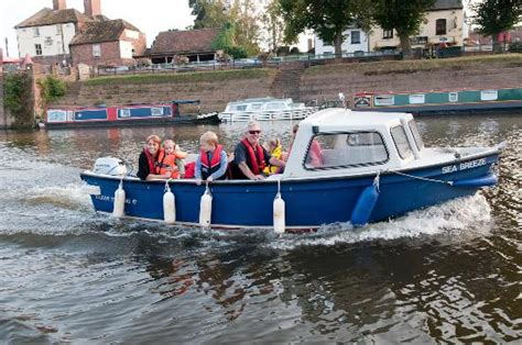 boat hire upton marina self drive boat hire picture of severn expeditions