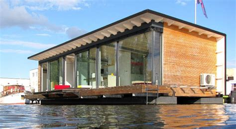 house boat hotel fishing vacation 7 amazing houseboats
