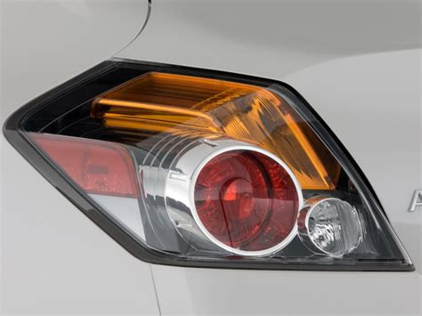 2009 nissan altima brake light 2009 nissan altima pictures photos gallery the car