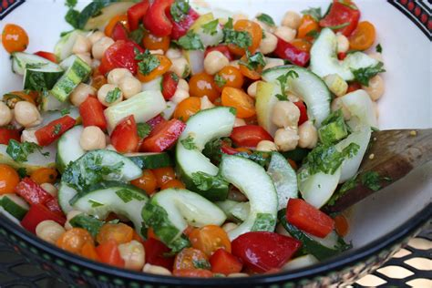 easy salad recipes top 28 easy summer salad recipes jennifer aniston and