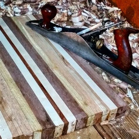Reclaimed Wood Cuttingboard With Hand Chiseled Juice