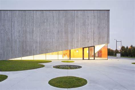 C M B 24 C gallery of school gymnasium in neuves maisons
