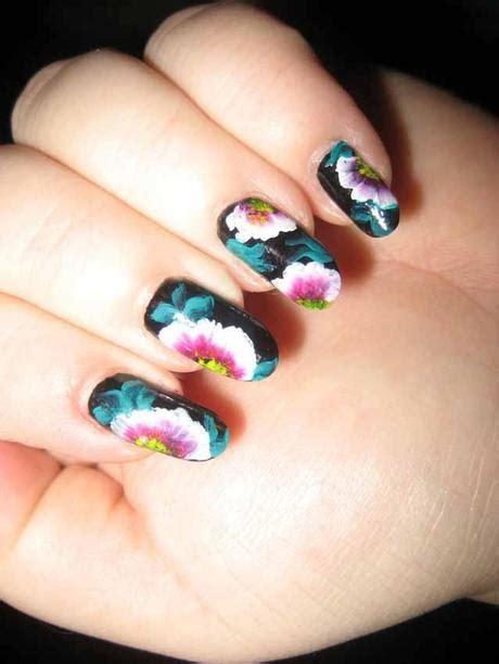 disegnare fiori sulle unghie smalti colorati e disegni per unghie paperblog