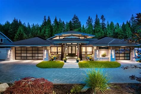 contemporary luxury homes luxury contemporary home by trevor euley canada